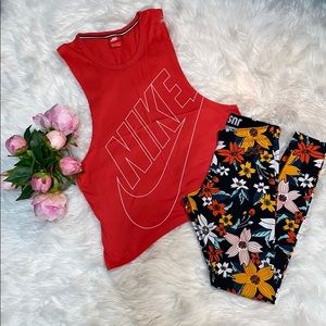 Nike Tank & Leggings Set XS